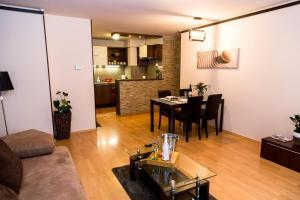 Posedenie v ubytovaní Arpad Bridge Apartments