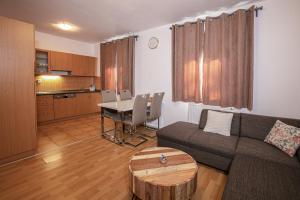 Posezení v ubytování Apartment 503/17 - Lipnohome