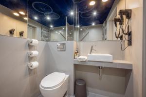 A bathroom at Bike'UP Wrocław