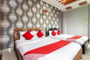 Honey Hotel