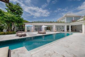 A piscina em ou perto de Kutus Kutus Canggu Villa