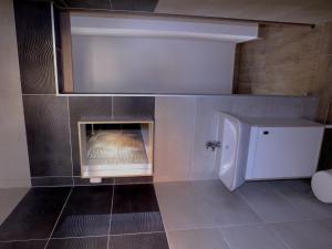 A bathroom at Apartmani Berno