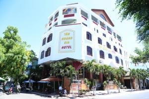 Tân Hoàng Gia Hotel