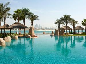 Piscina di Sofitel Dubai Palm Apartments o nelle vicinanze