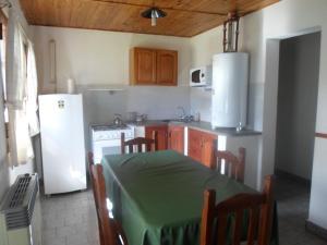 A kitchen or kitchenette at El Amanecer