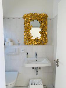 Ein Badezimmer in der Unterkunft FUNCKyHOME Apartments