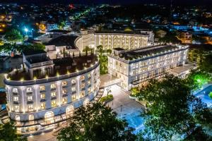 Silk Path Grand Hue Hotel & Spa