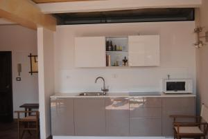 A kitchen or kitchenette at I Balconcini