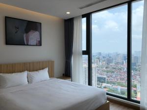 Vinhomes Metropolis Luxury Apartment 2 Br