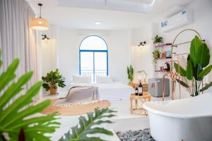 Maison a La Mer Serviced Homestay - NhaTrang Beach
