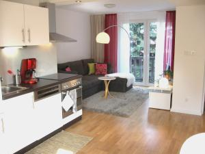 A kitchen or kitchenette at Hanna Apartment