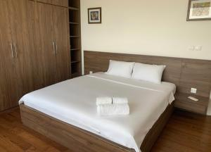 Outstanding apartment nearby central
