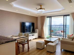 Highrise by westlake, luxury suites managed by Cohost Club
