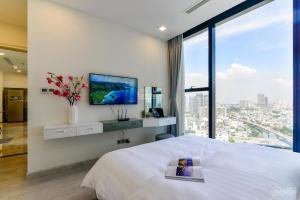 Vinhomes Golden River Service Apartment