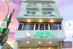 Siren Flower Hotel