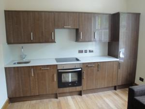 A kitchen or kitchenette at London Finsbury Park Apartments