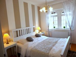 A bed or beds in a room at Villa Elasan