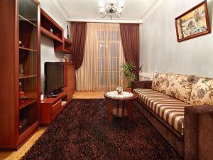 Ein Sitzbereich in der Unterkunft Euapartments by on Nezavisimosti