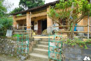 Green Door Ban Gioc Homestay