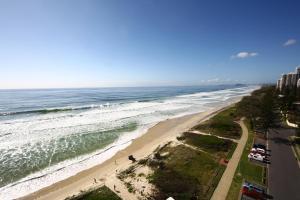 A bird's-eye view of Beachfront Viscount
