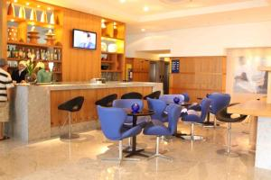 The lounge or bar area at Betel Beach Flat