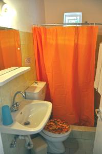 A bathroom at Villa Elena