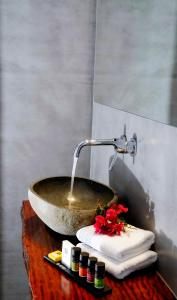 A bathroom at Mykonos Loft