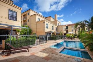 The swimming pool at or near Best Western Northbridge Apartments