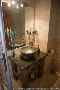 Casa Rural Castillo (España Cantalojas) - Booking.com