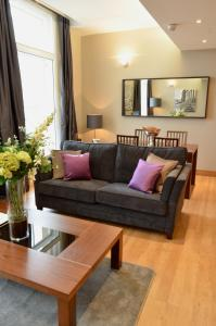 A seating area at Quebecs Luxury Apartments