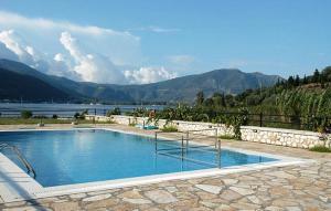 The swimming pool at or near Argovillas