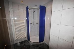 Ein Badezimmer in der Unterkunft Auhof
