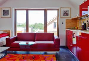 A seating area at Apartmany u Dubu Humpolec