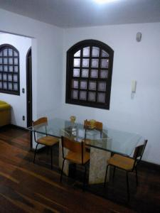 A restaurant or other place to eat at Casa Pampulha BH