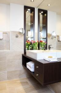 A bathroom at City Stay Furnished Apartments - Kieselgasse