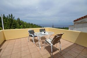 A balcony or terrace at Studio Tasos