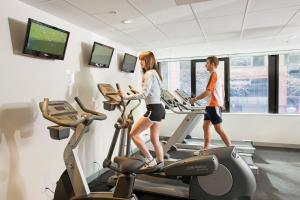The fitness center and/or fitness facilities at City Tempo - Queen St