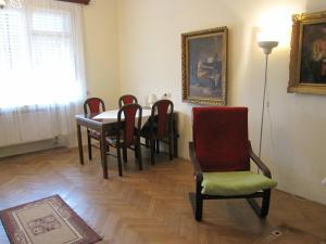 Ein Sitzbereich in der Unterkunft Apartmán Franek