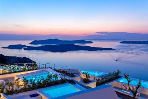 A view of the pool at Alti Santorini Suites or nearby