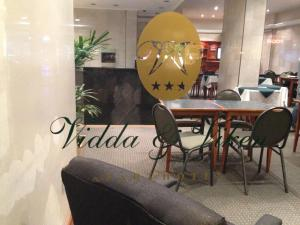 A restaurant or other place to eat at Vidda y Viken