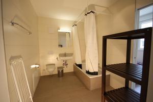 A bathroom at HITrental Badenerstrasse Apartments
