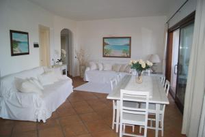 A seating area at Case Della Marina