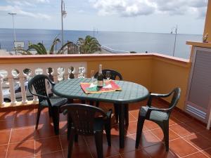 A balcony or terrace at Fewo Merlisto