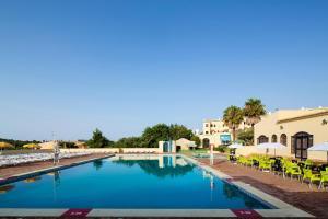The swimming pool at or near Alvor Clube Brisamar