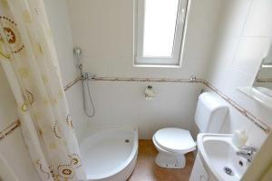 A bathroom at Apartment Kalemegdan