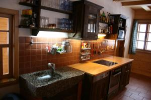 Kuchyň nebo kuchyňský kout v ubytování Vinařova chalupa