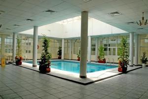 المسبح في Basma Residence Hotel Apartments أو بالجوار