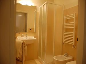 A bathroom at Residenza il Nespolo