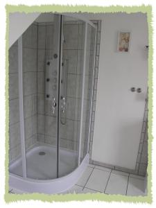 Ein Badezimmer in der Unterkunft Ferienwohnung zum Bernerhof