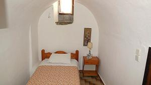 A bed or beds in a room at Karampela Despina